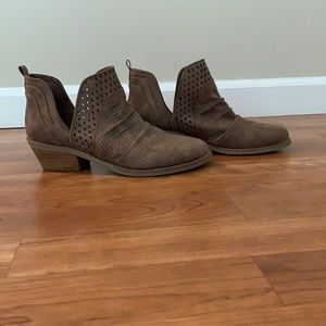 Report Grey Faux leather booties